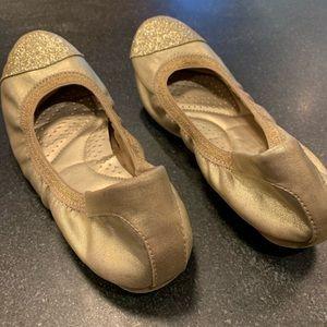 Dexflex Comfort gold ballet flats, women's size 5